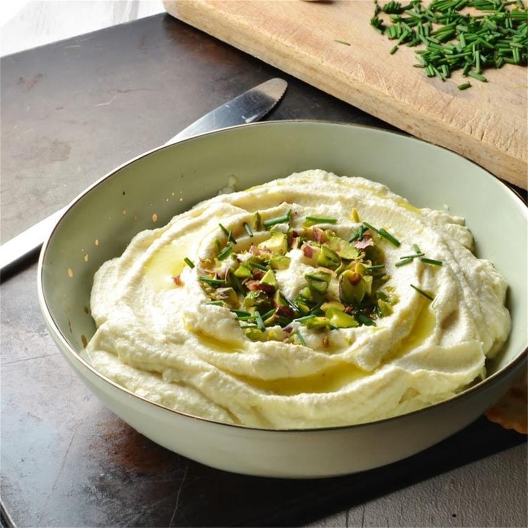 Creamy Roasted Cauliflower Dip with Garlic & Skyr