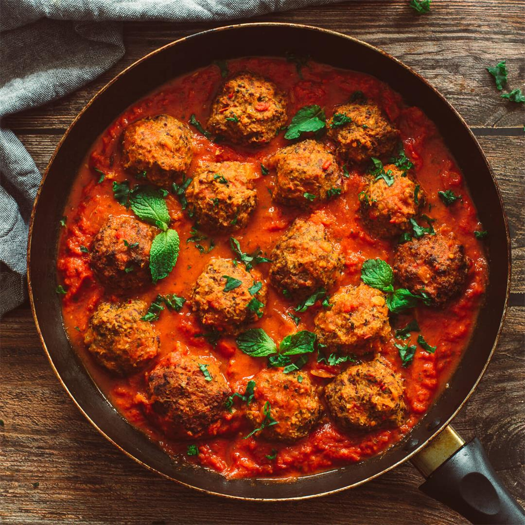 Meatless Meatballs With Marinara Sauce