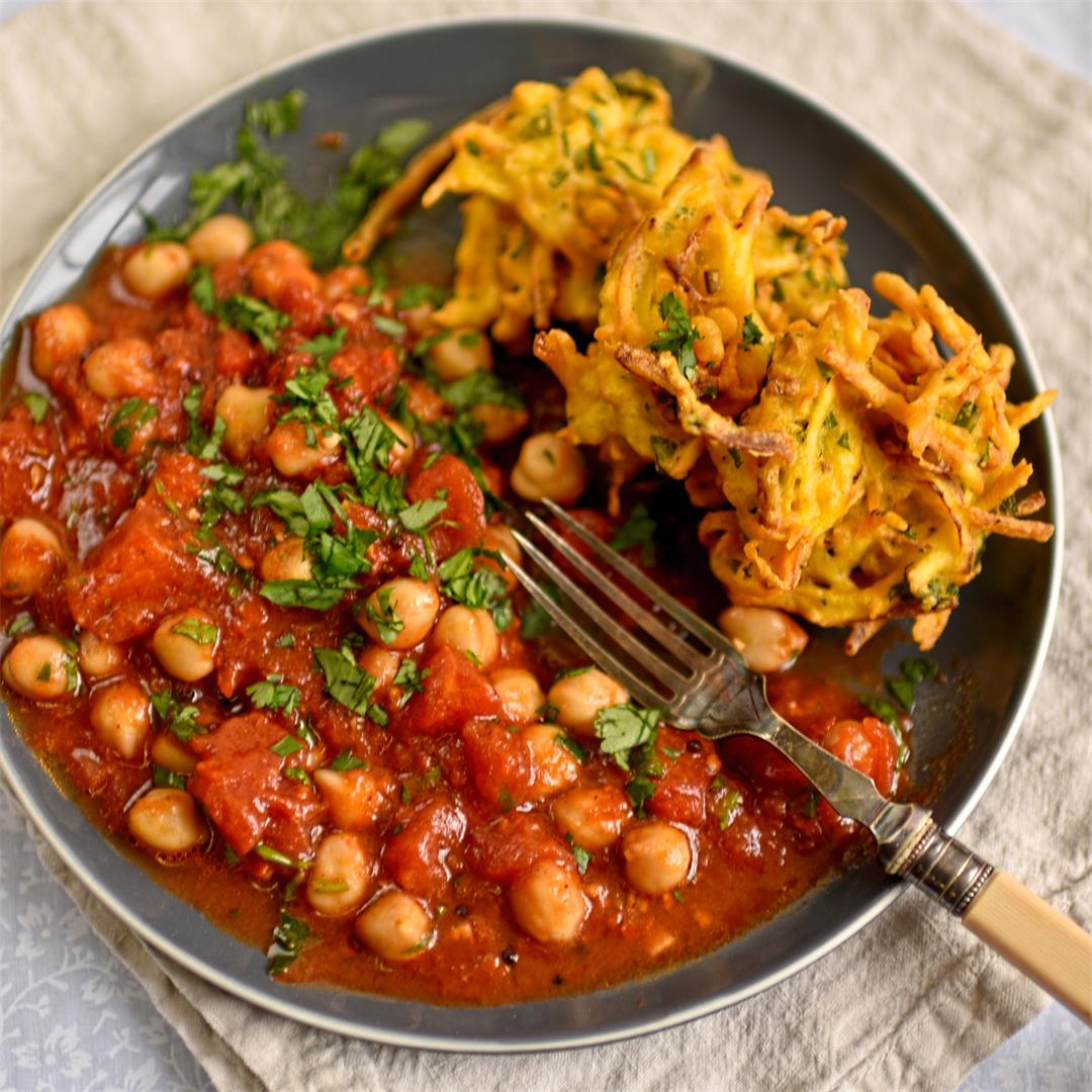 potato and mint pakora with spicy chickpeas