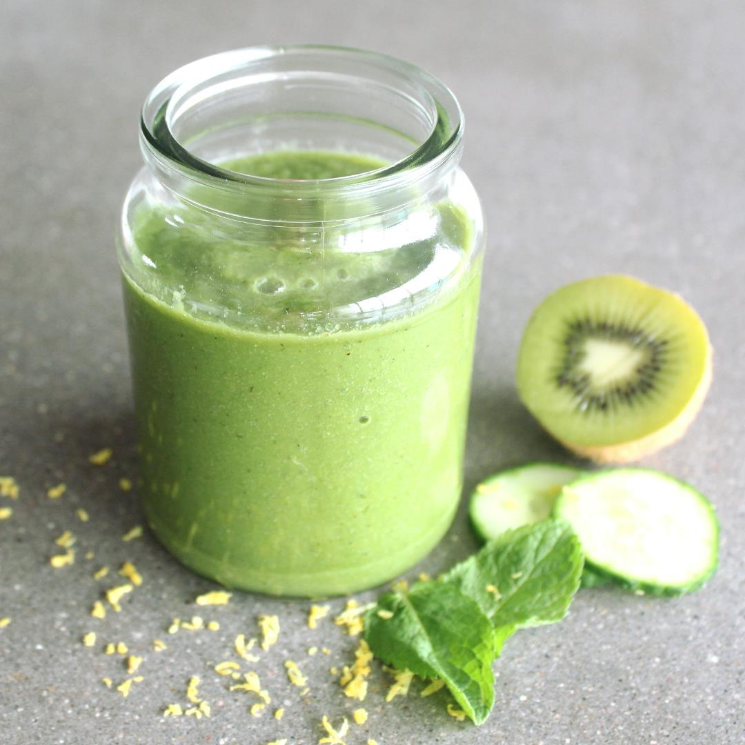 Minty Alkaline Kiwi Green Smoothie