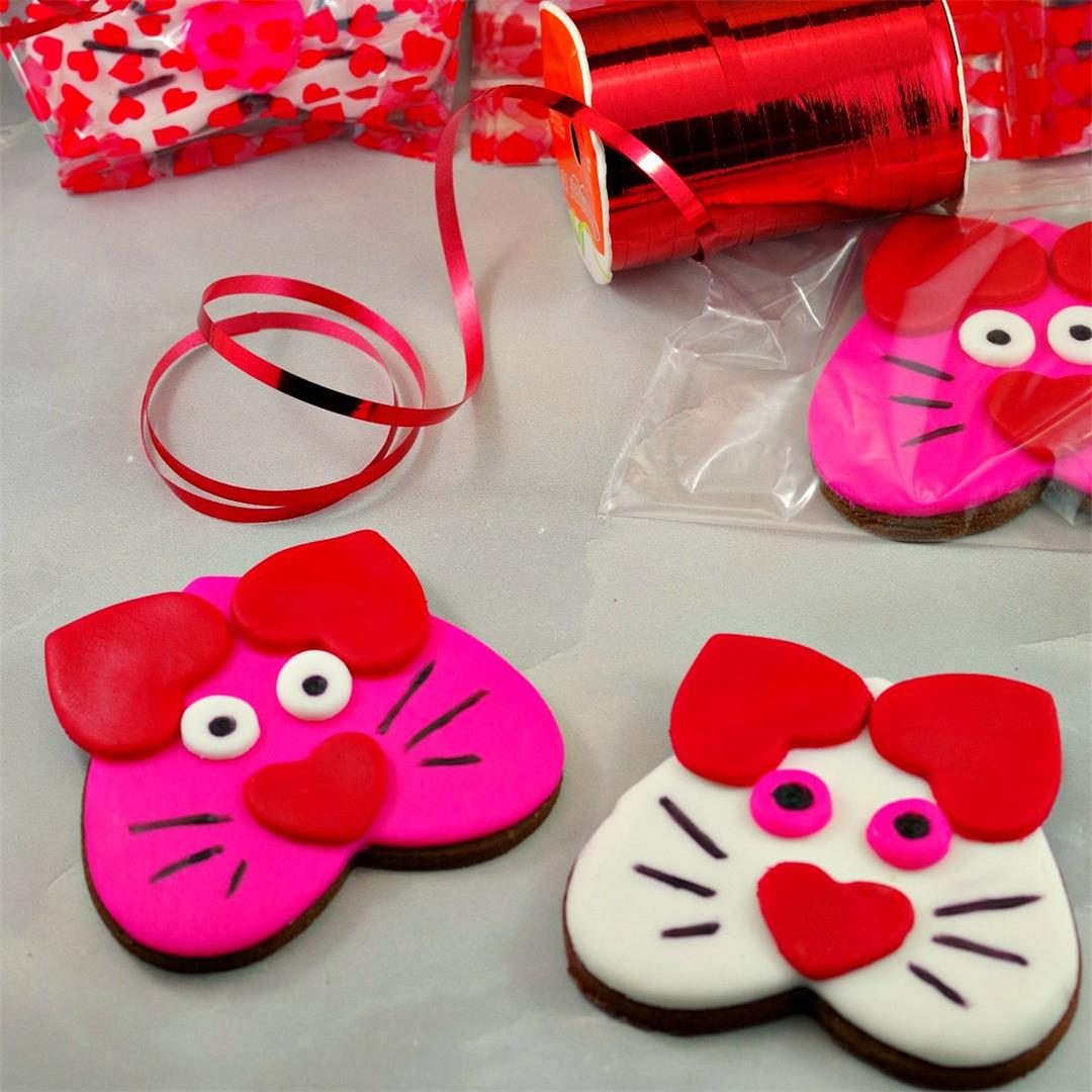 Heart-shaped Valentine's Day Cat Cookies