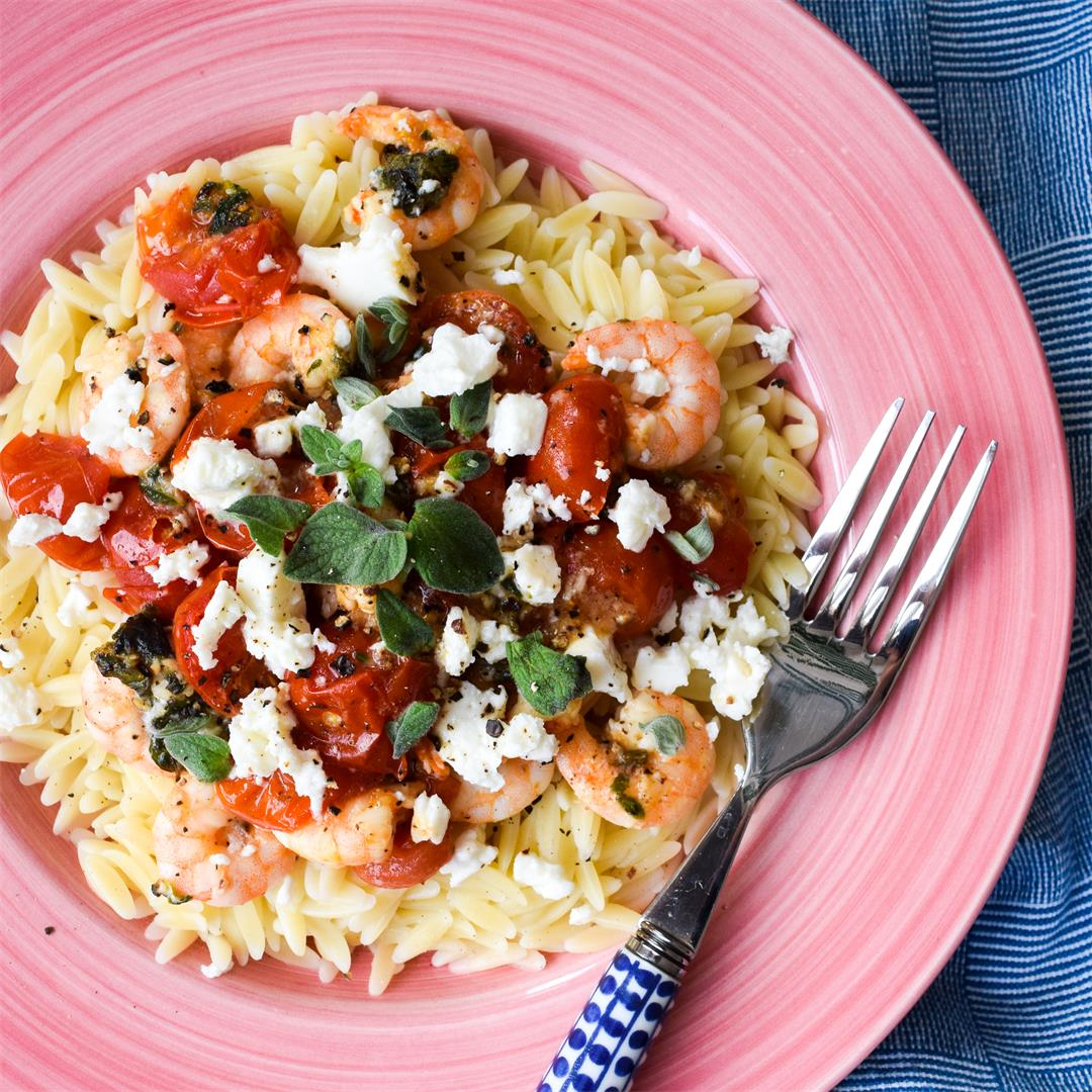 15-Minute Orzo with Prawns, Tomatoes & Feta