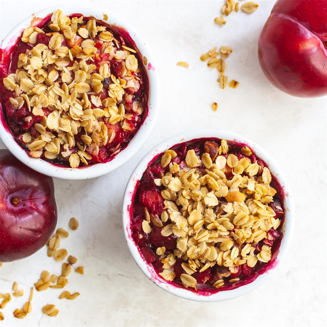 Healthy Vegan Plum Crumble with Oats and Nuts