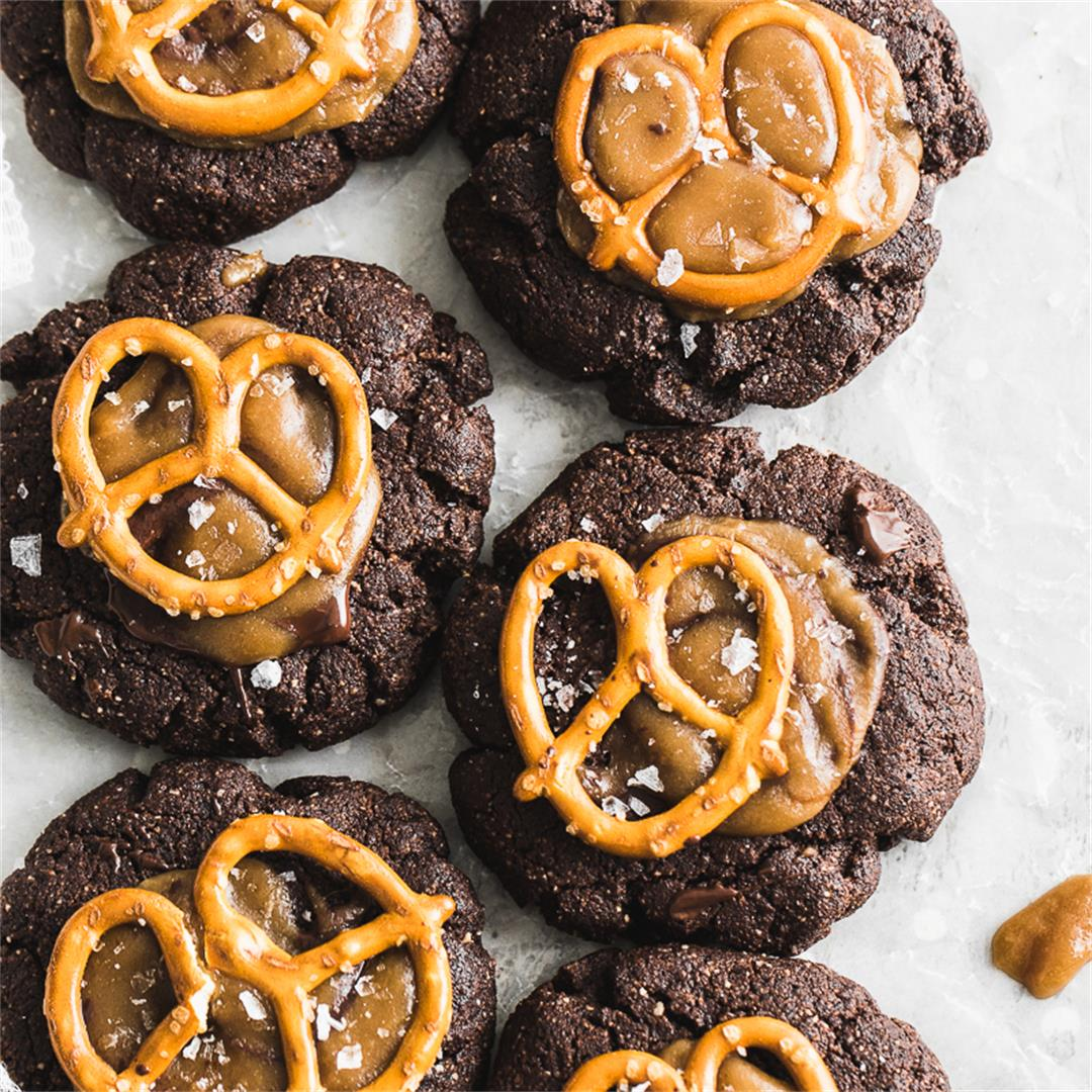 Chocolate Brownie Cookies with Salted Caramel