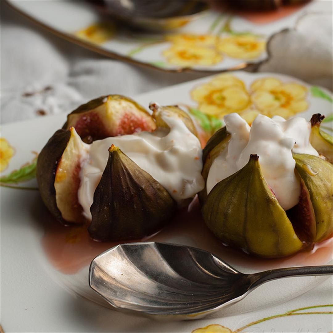 Roasted Figs with Ginger Cream