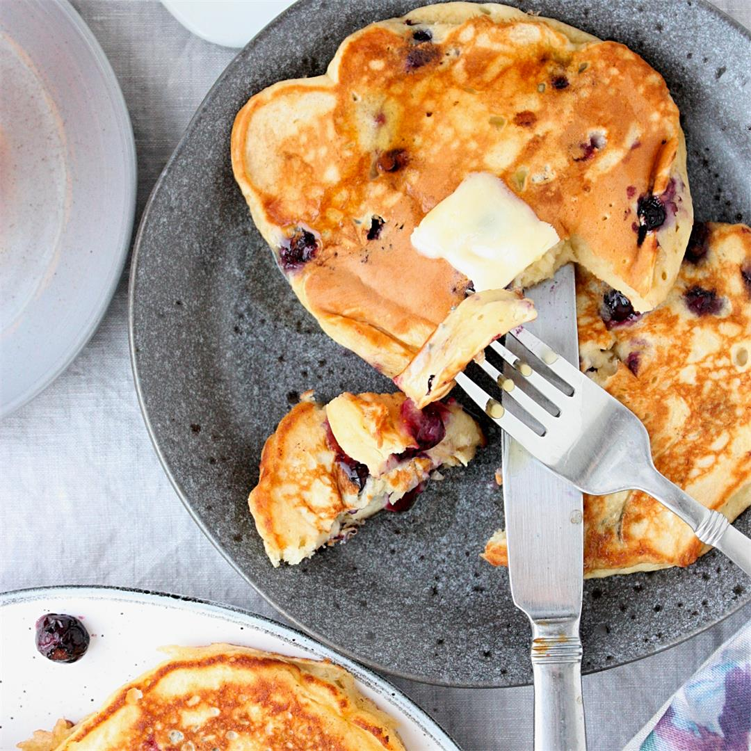 Best Blueberry Banana Pancakes