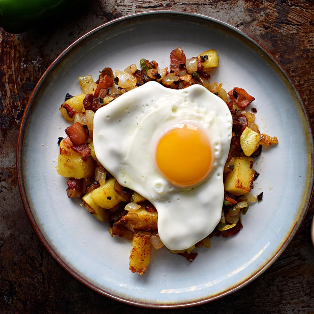 Breakfast Potato Hash with Bacon & Jalapeño