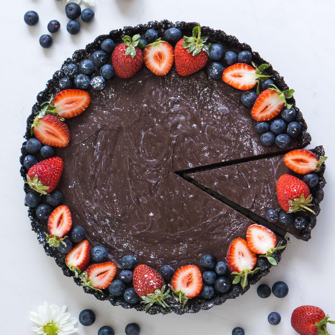 No-Bake Chocolate Tart (Vegan)