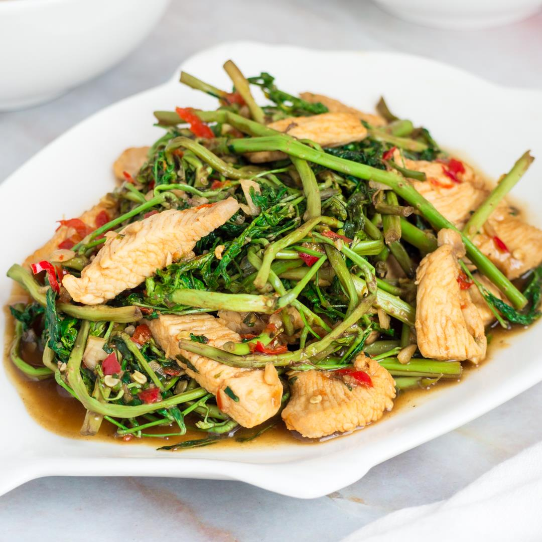 Thai Stir Fried Water Mimosa with Chicken