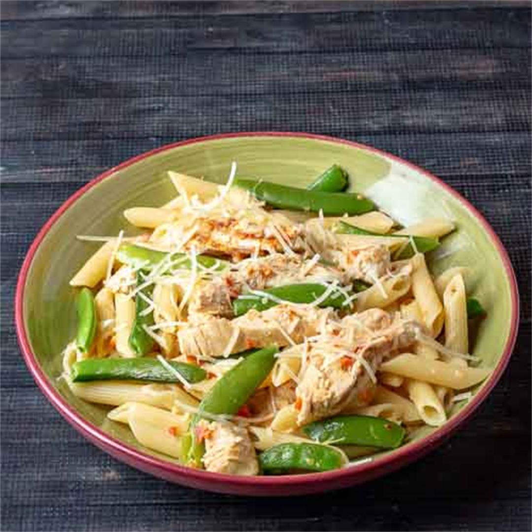 Red Pepper Sauce Pasta with Chicken and Snap Peas