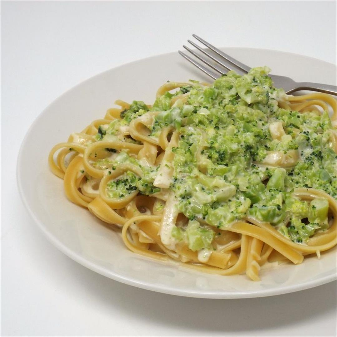 Easy Broccoli Fettuccine Alfredo