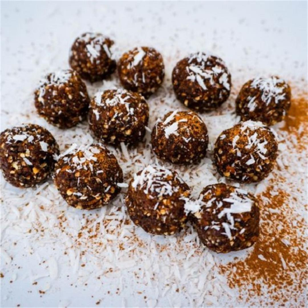 Best Bliss Balls: Raw Bites with Coconut and Plums