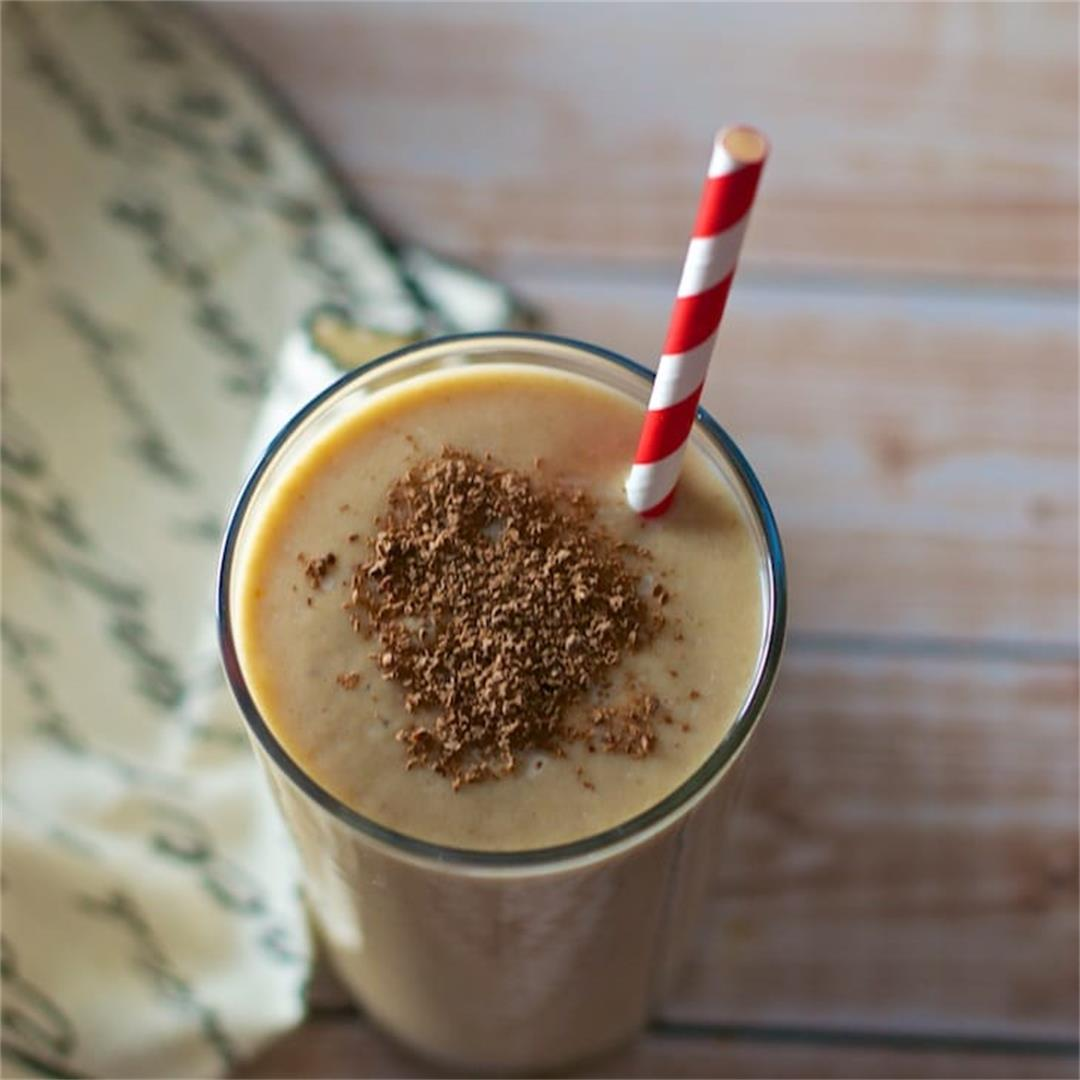 Date and Chikoo Smoothie
