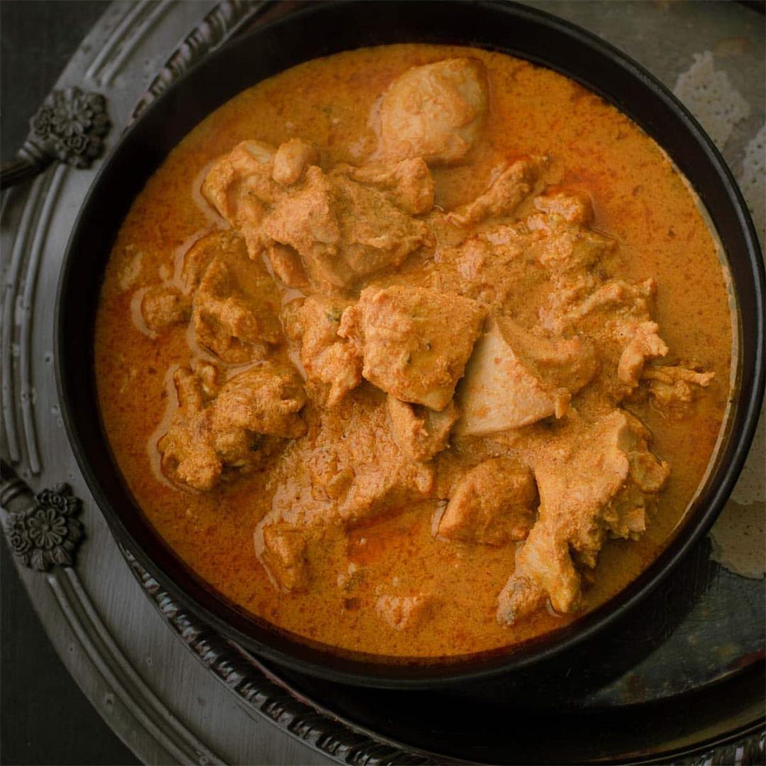 Kori Gassi (Mangalorean chicken curry)