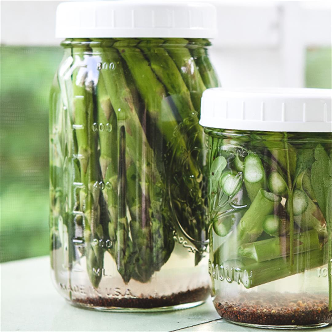 Winey Briny Quick Pickled Asparagus