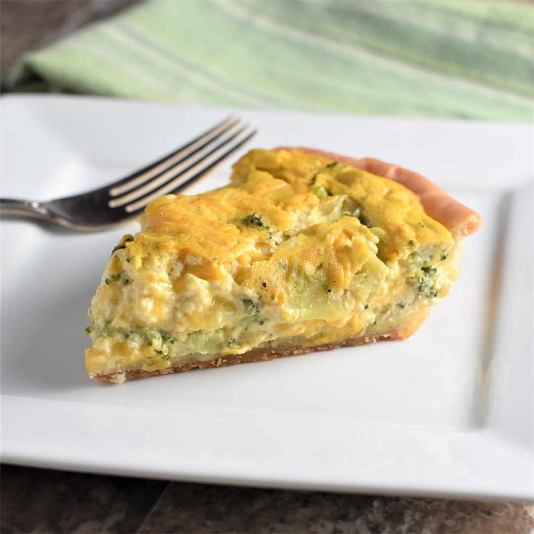 Cheesy Broccoli Vegan Quiche [Gluten-Free]
