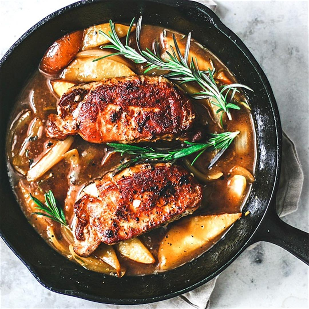 Pan Fried Pork Chops in Pear and Ginger Sauce