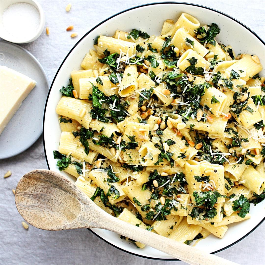 Lemony Rigatoni with Kale and Shallots