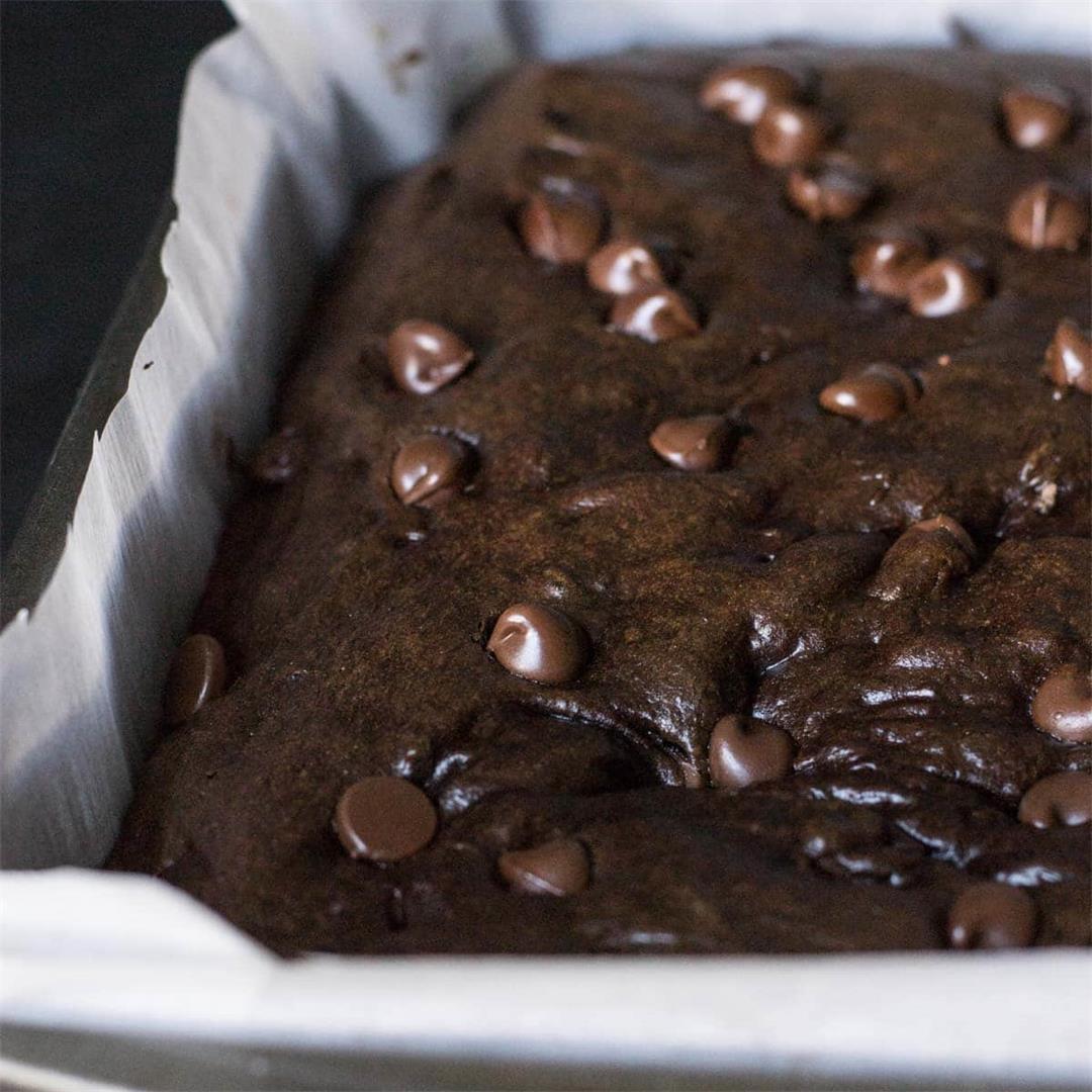 Easy and Healthy Chocolate Banana Cake Recipe