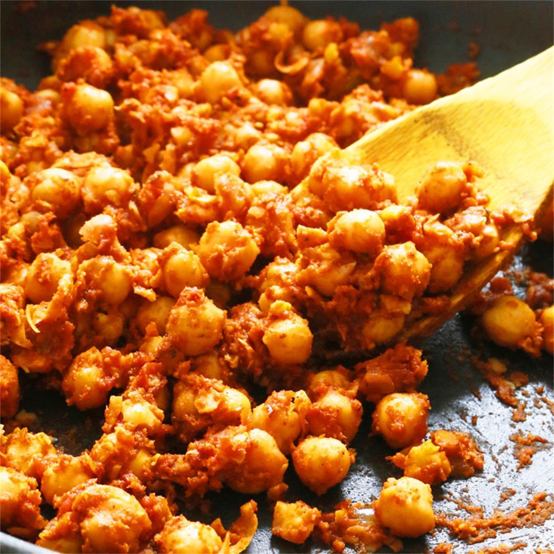 4-ingredient Salsa Chickpeas