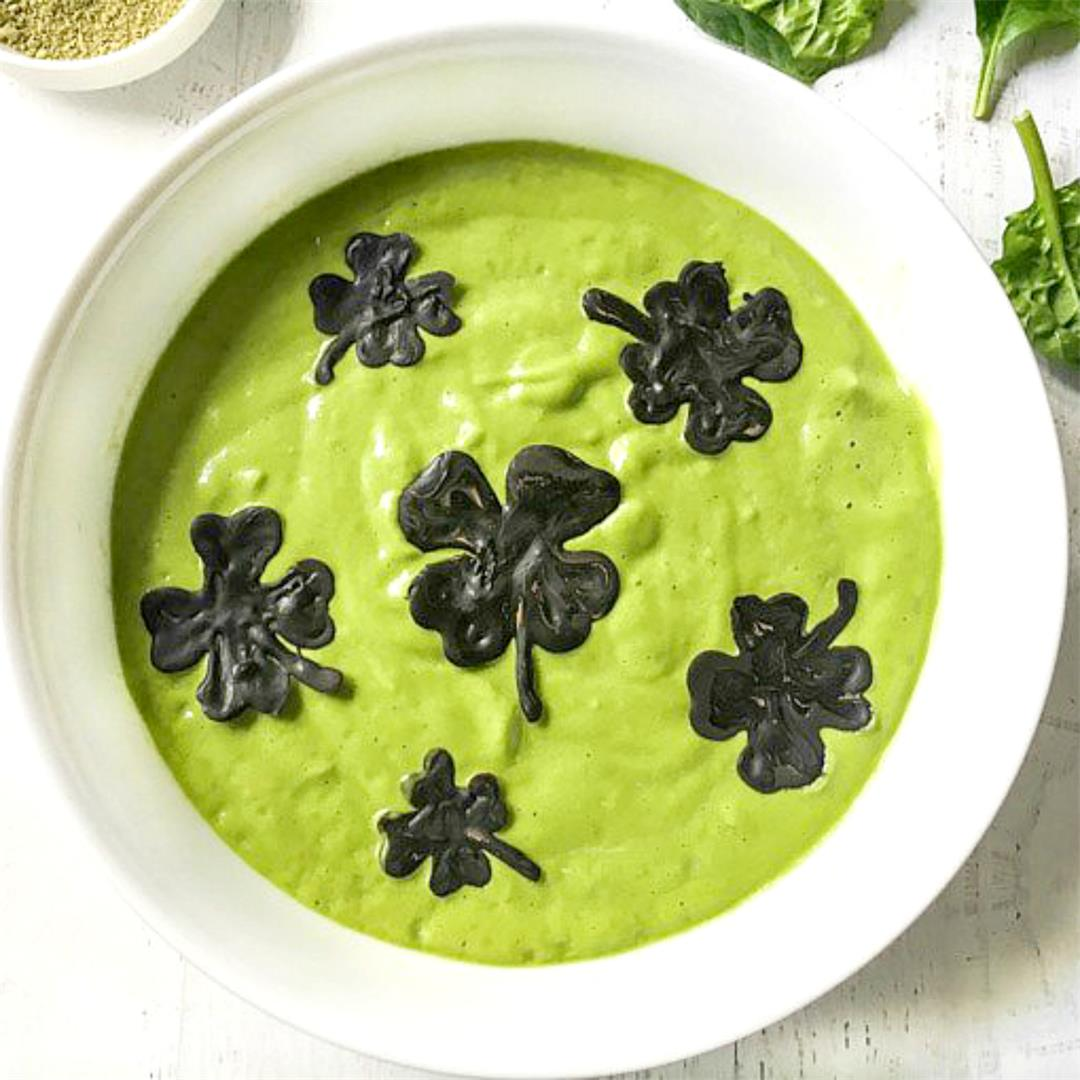 Healthy Shamrock Smoothie Bowl - Low Carb