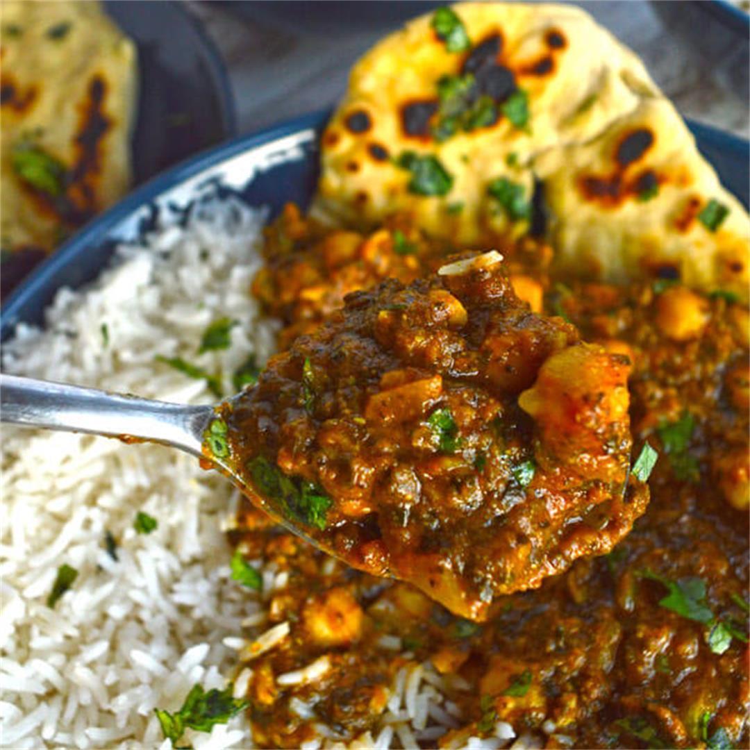 Chickpea Spinach Curry (Chana Palak Masala)