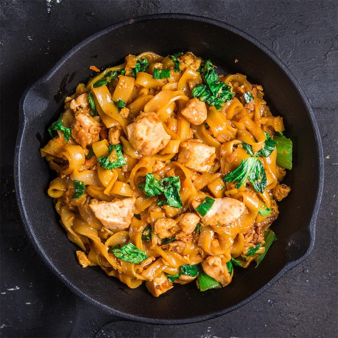 Chicken Kwetiau Stir Fry