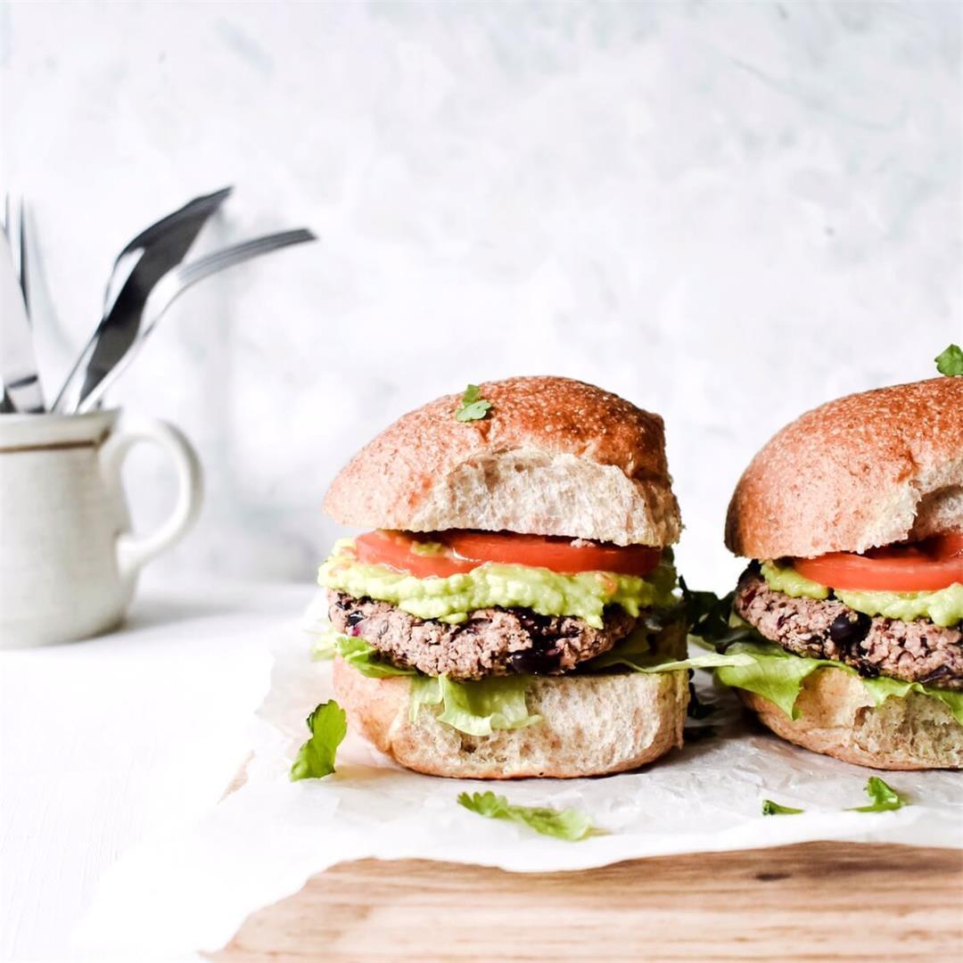 Easy vegan black bean burgers