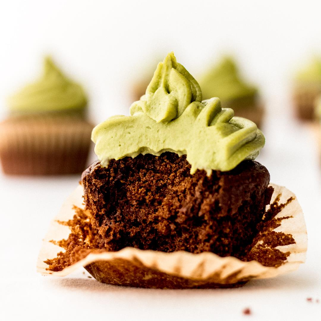 Vegan Chocolate Cupcakes With Matcha Frosting