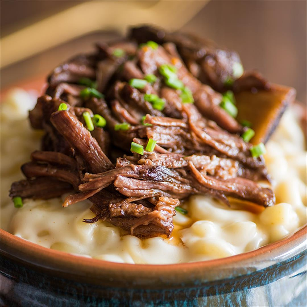 This Short Rib Mac and Cheese is fast, easy, and so good.