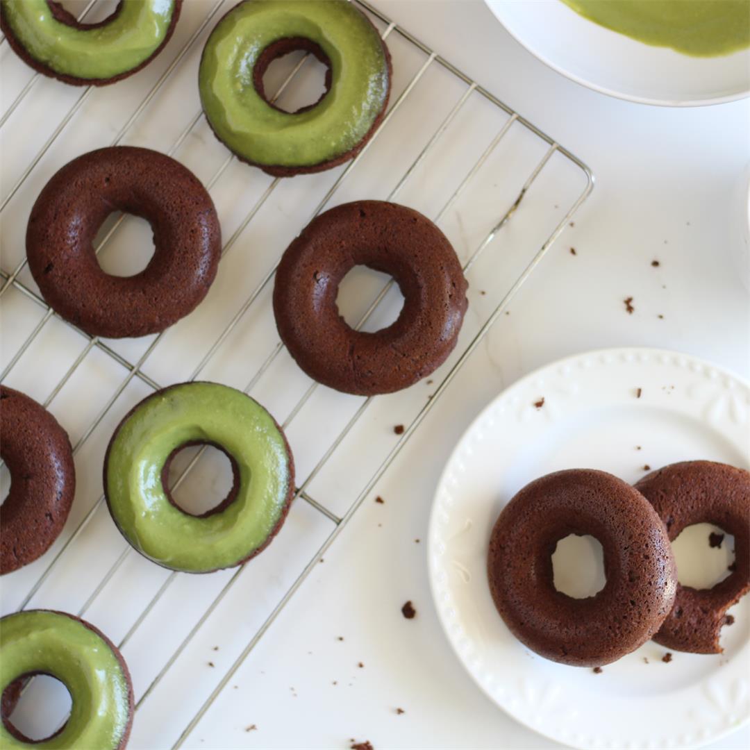 Paleo Mint Chocolate Donuts w/Matcha Icing