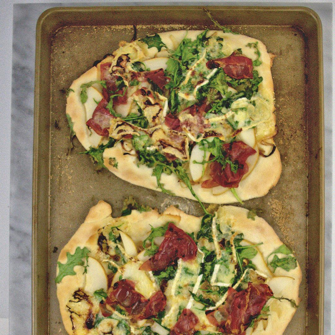 Pear, Brie and Prosciutto Pizza with Honey Drizzle