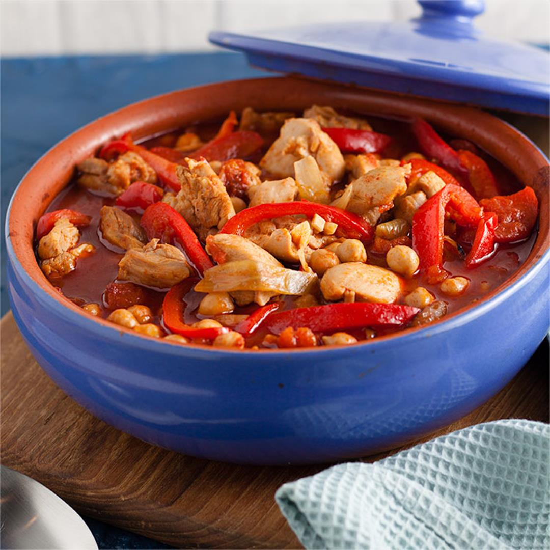 Chicken, chickpea and red pepper casserole