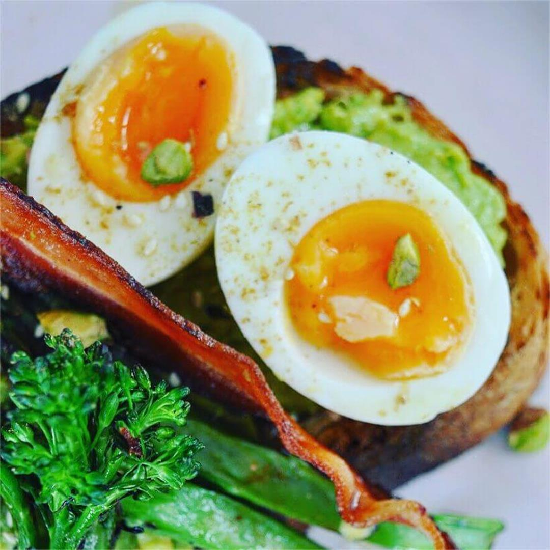 Smashed Avocado, soft eggs & bacon