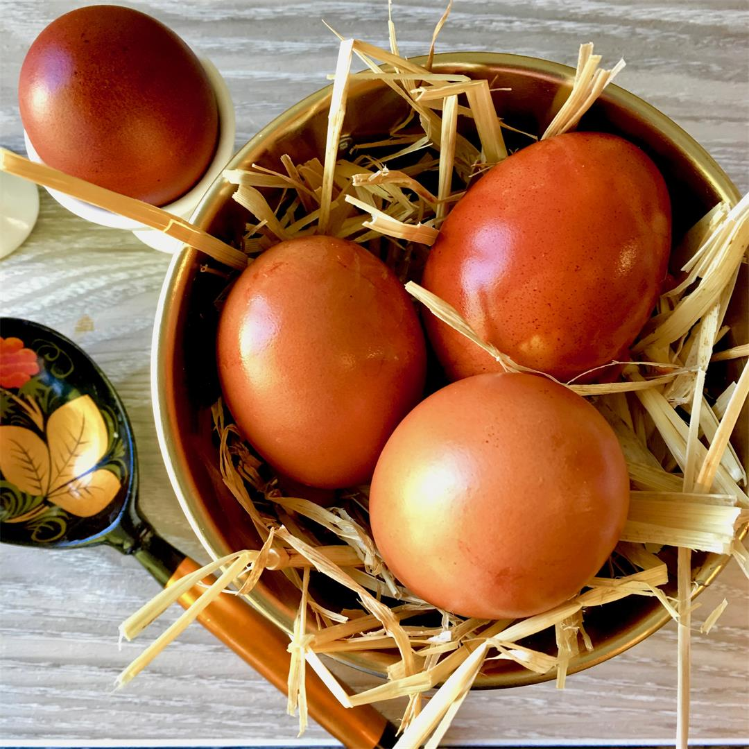 Edible Russian Easter Eggs with Onion Skins