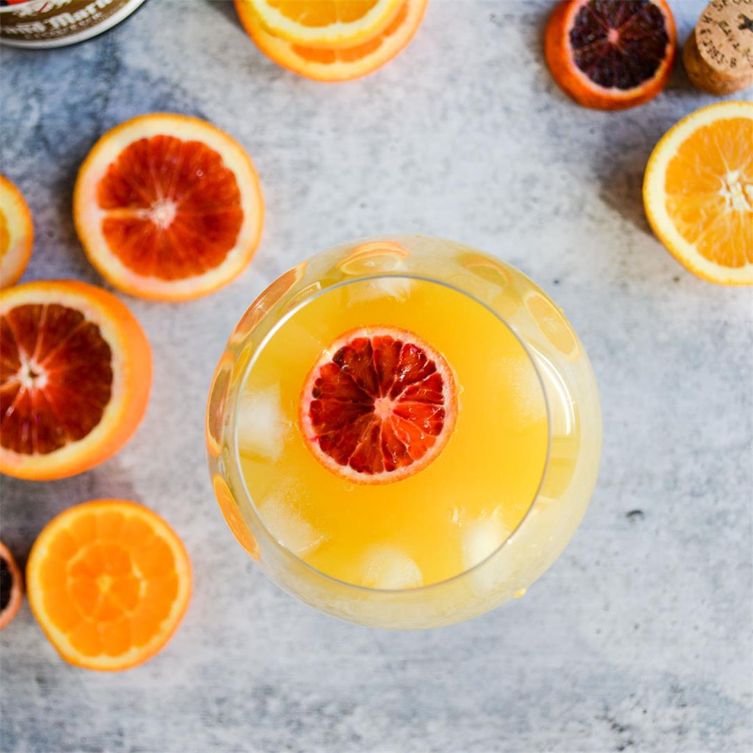 Agua de Valencia is a perfectly bright, citrusy cocktail