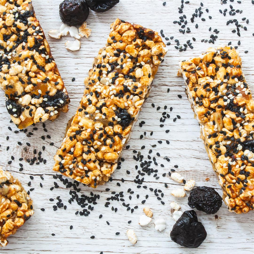 Sesame Puffed Rice Bars with Apricot and Prunes