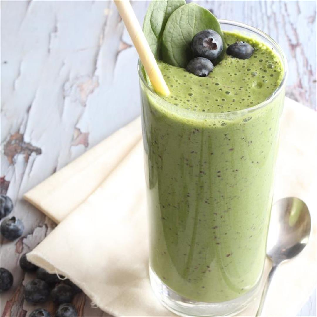 Berry Spinach smoothie-low carb, keto, paleo, vegan