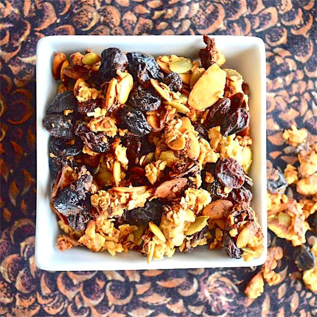 Lemon Lavender Granola - Jeanie and Lulu's Kitchen