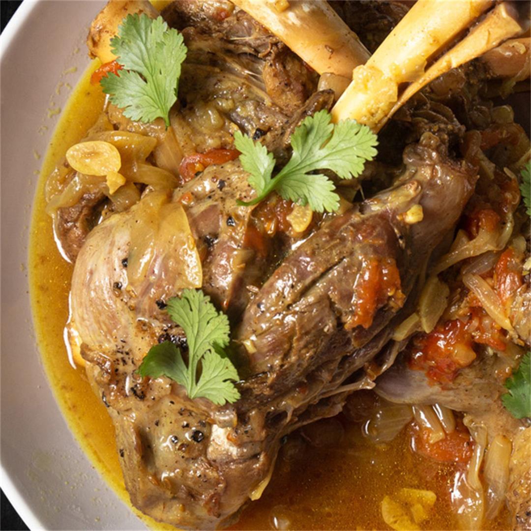 Instant Pot Mediterranean Lamb Shanks