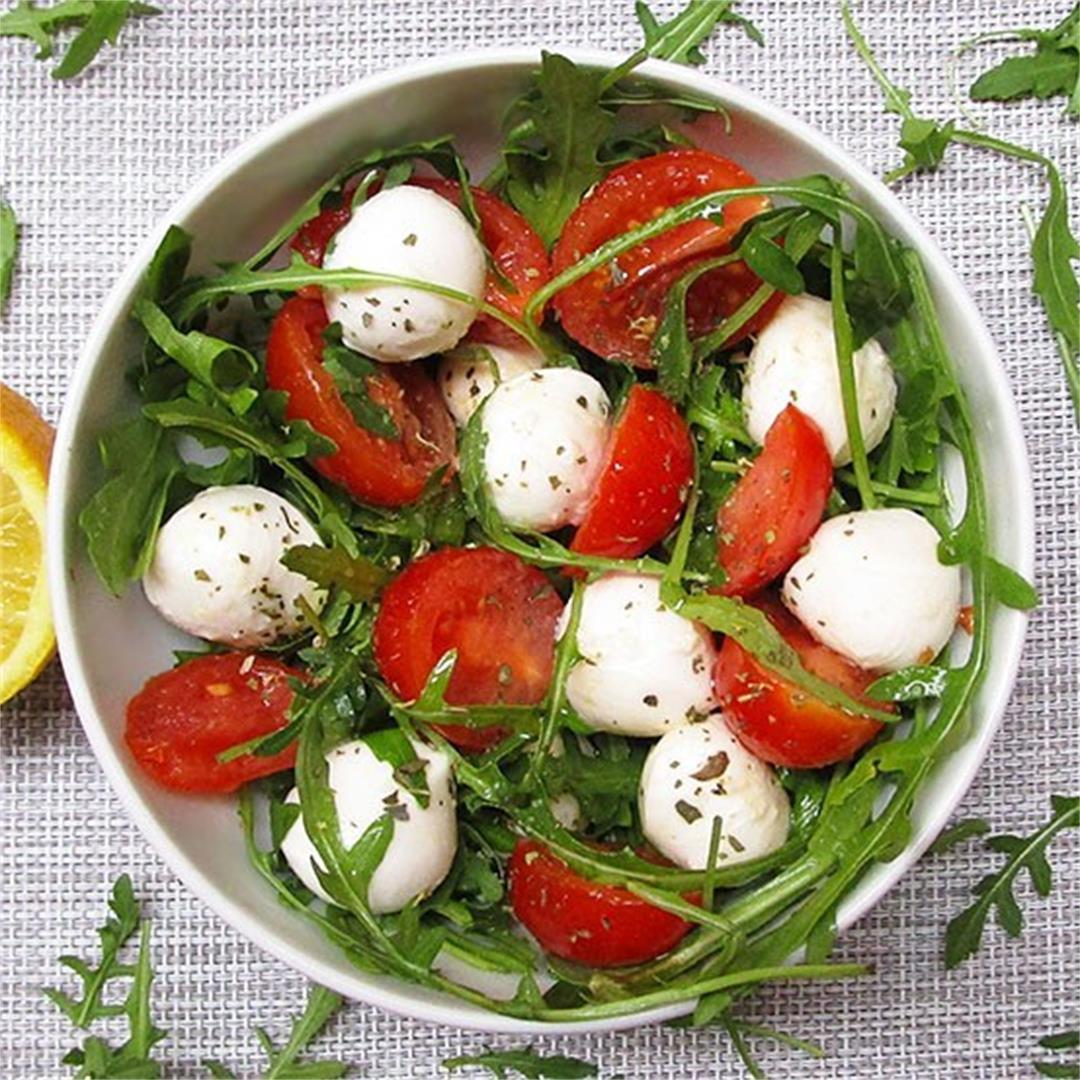 Quick Mozzarella, Cherry Tomato, & Rocket Salad