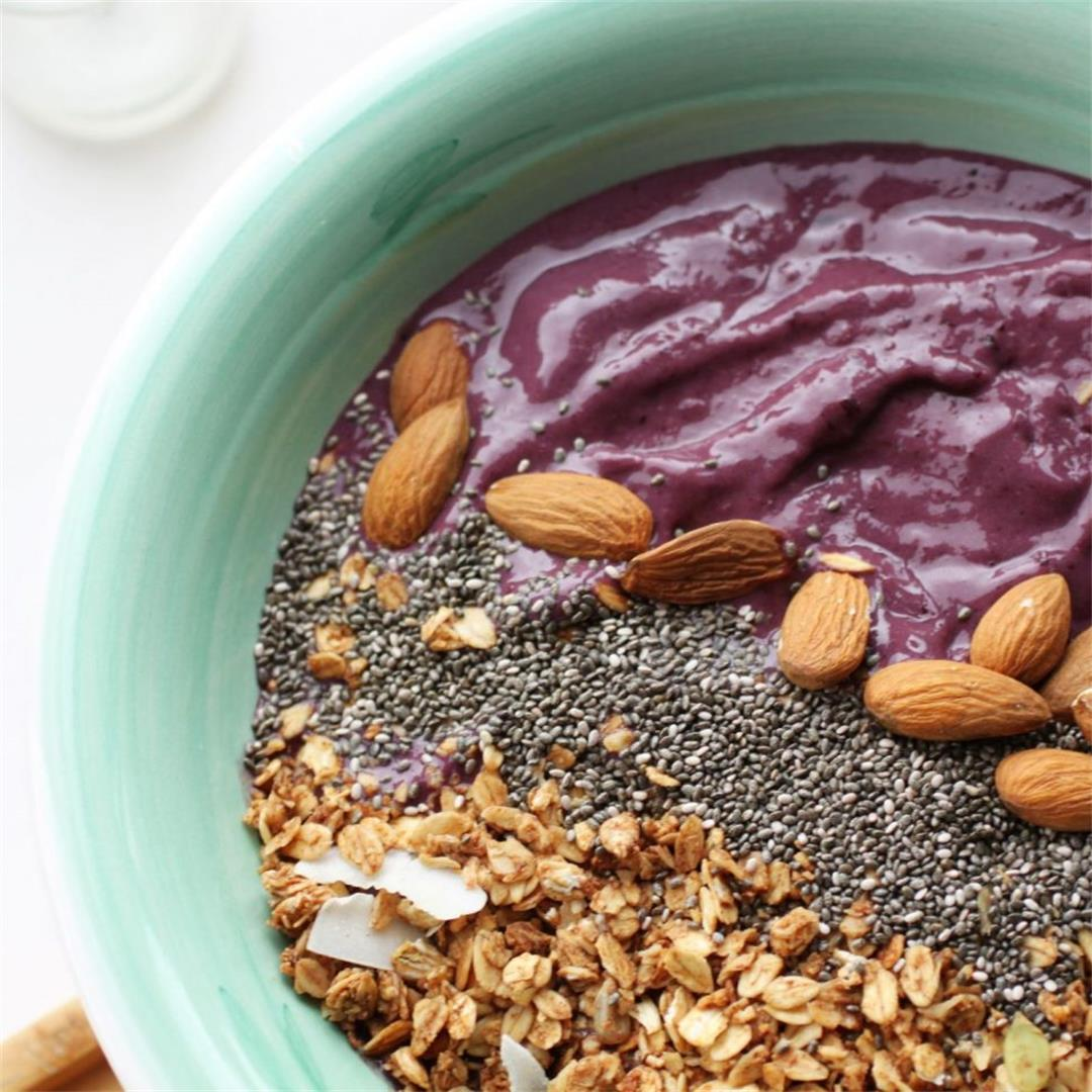 Cherry & Vanilla Smoothie Bowl Recipe (no banana)