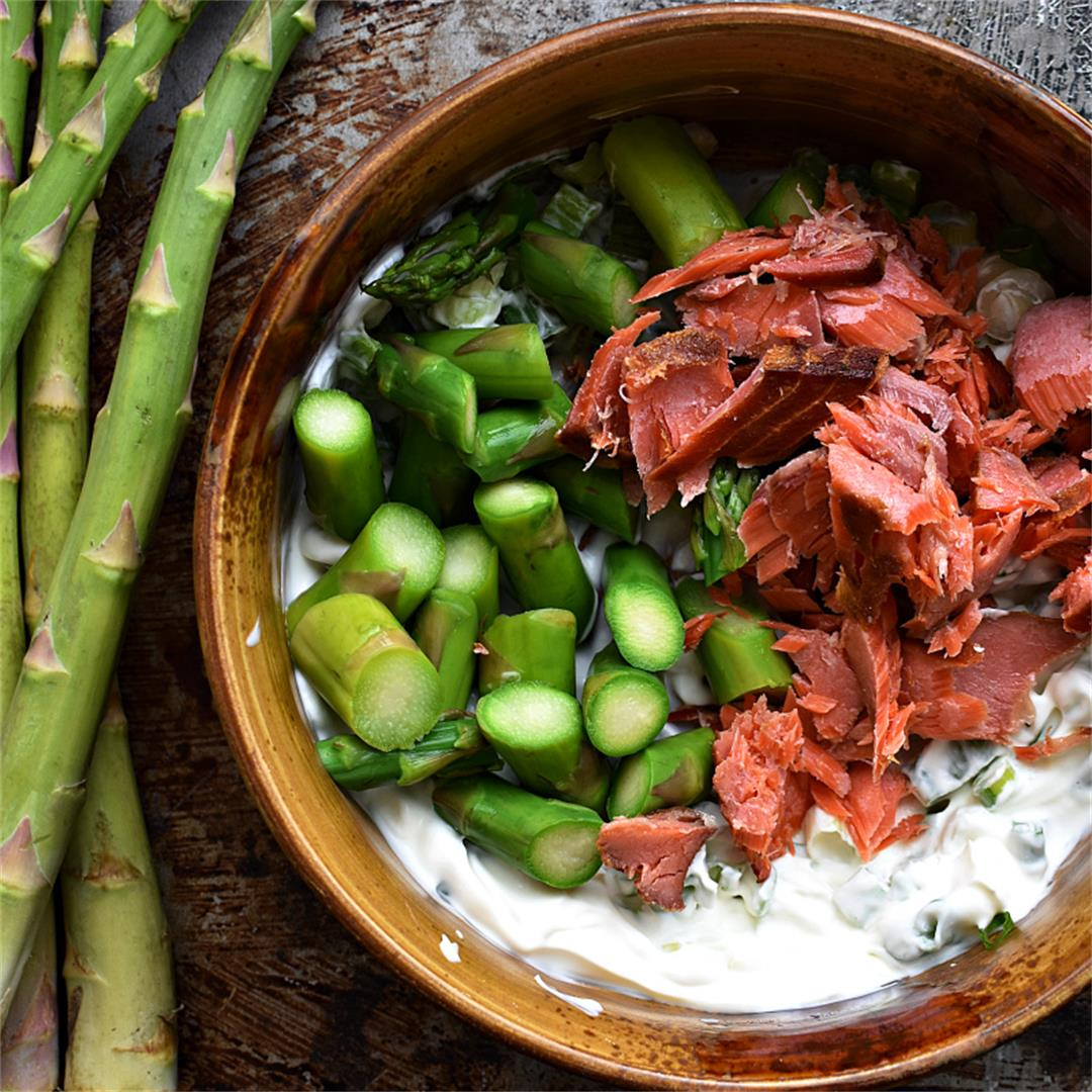 Smoked Salmon Salad with Asparagus & Crème Fraîche
