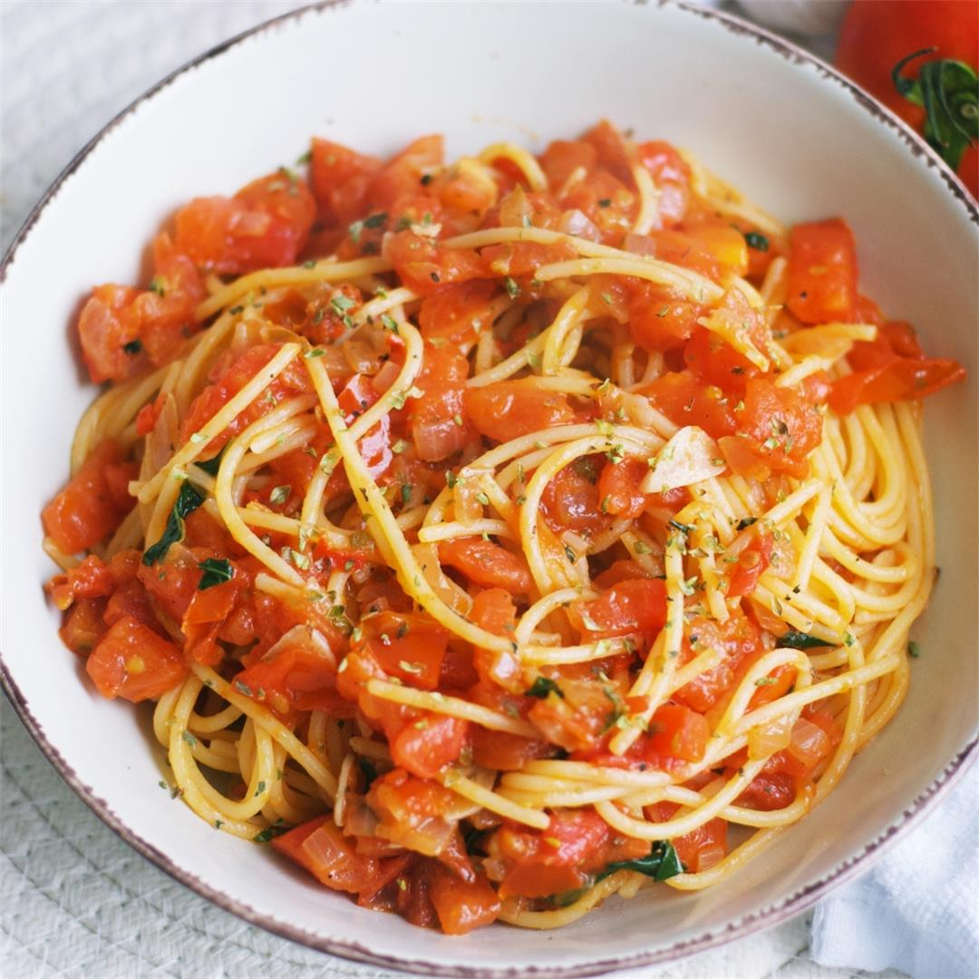 Simple Tomatoes And Capers Pasta
