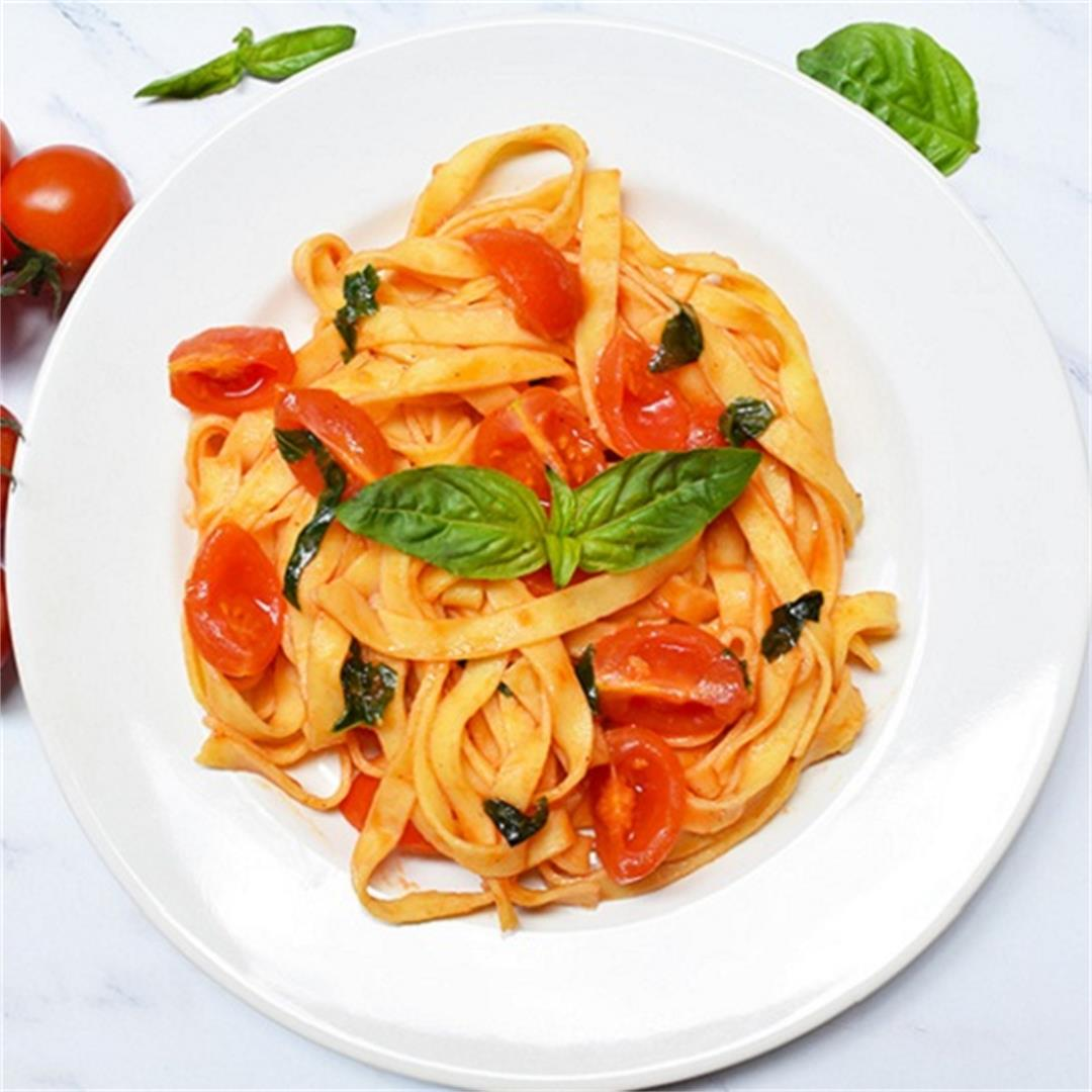 Fresh Tagliatelle With Cherry Tomatoes And Basil