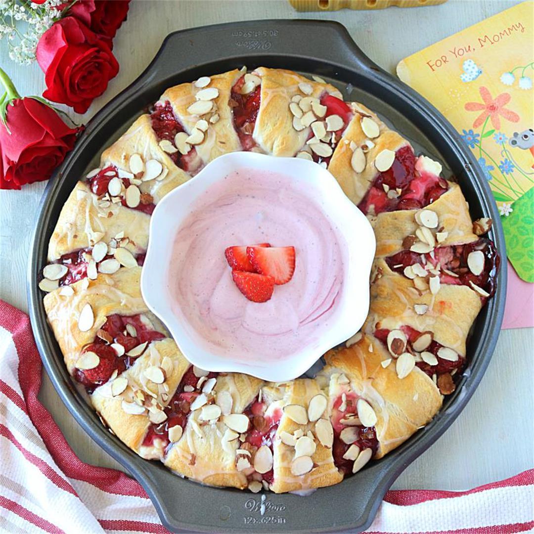 Strawberry Cream Cheese Crescent Ring