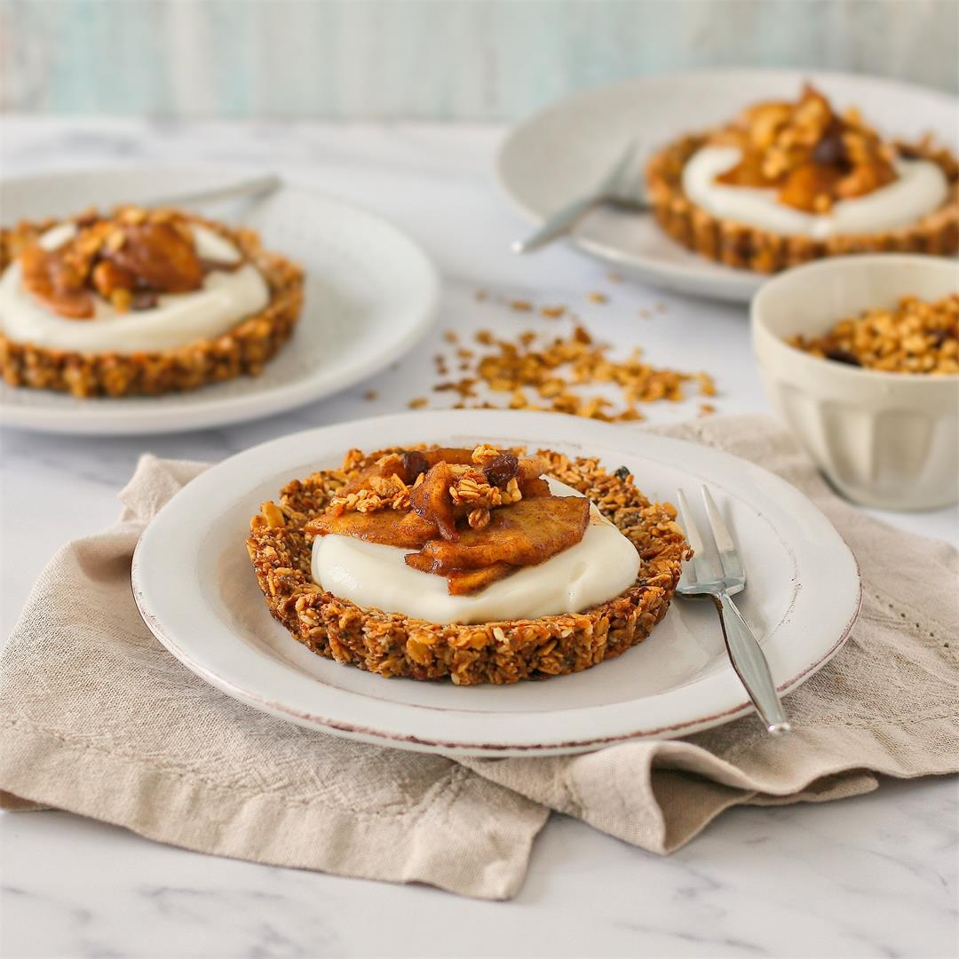 Apple and cinnamon granola breakfast tarts