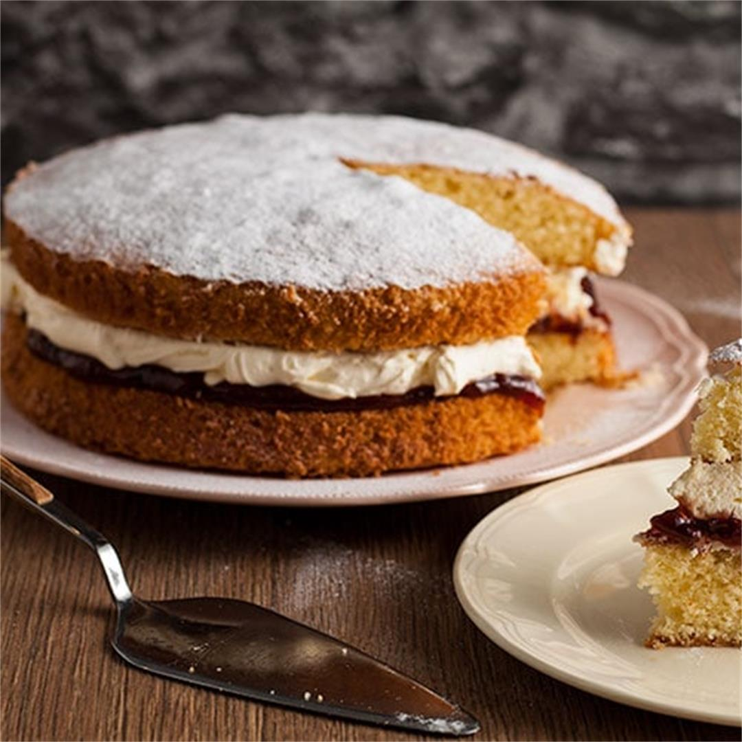How to make the Perfect Victoria Sandwich