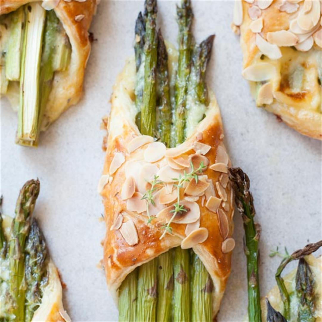 Asparagus in puff pastry with ham and cheese