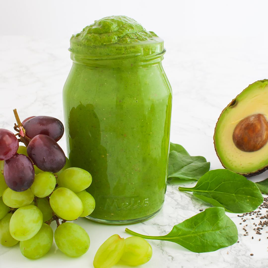 Grapes and Avocado Smoothie with Spinach